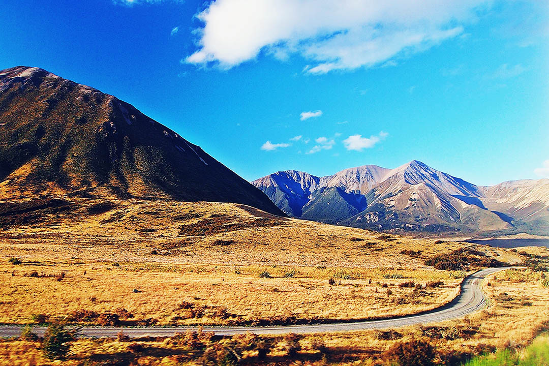 3 top scenic rail journeys on the North and South Islands